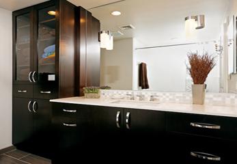 Шкафчик в ванную комнату