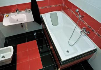 Отличия акриловых ванн