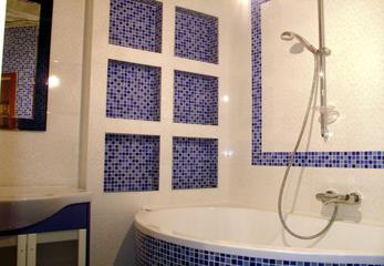 Красивый вариант отделки ванной